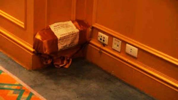 diệt mối khung cửa gỗ